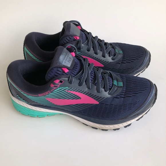 Brooks Shoes   Brooks Ghost Womens Size